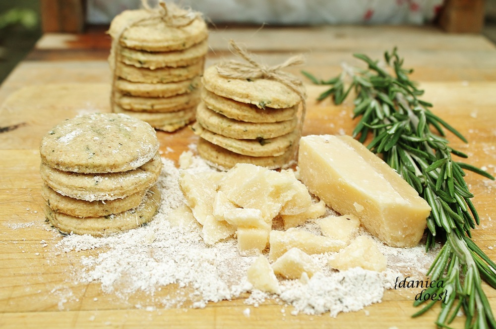 parmesan_rosemary_biscuits_1_w_sign